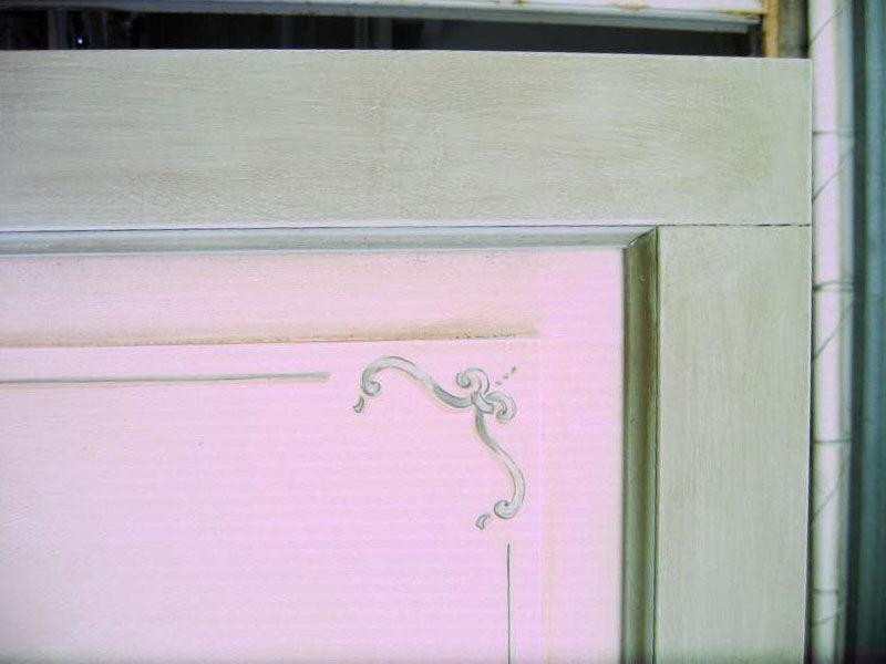 Particolare porta decorata virginia