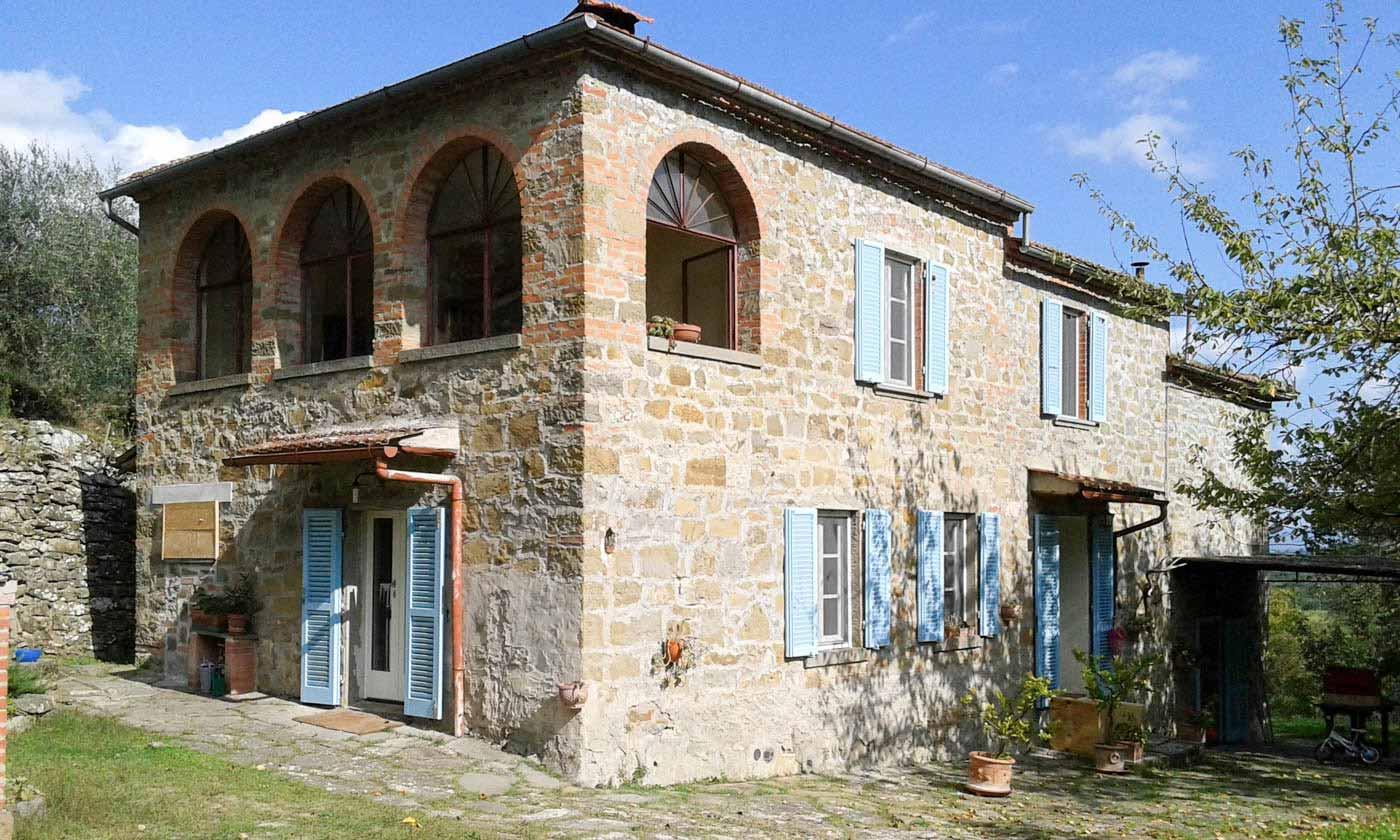 Abitazione con infissi restaurati